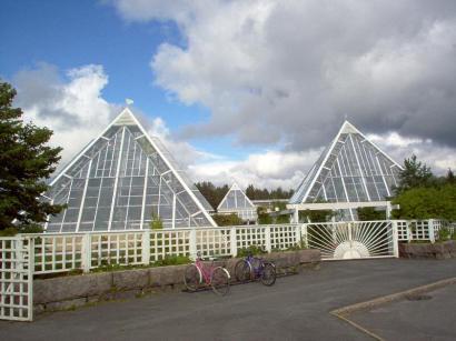Las pirámides Romeo y Julieta del jardín botánico de Oulu
