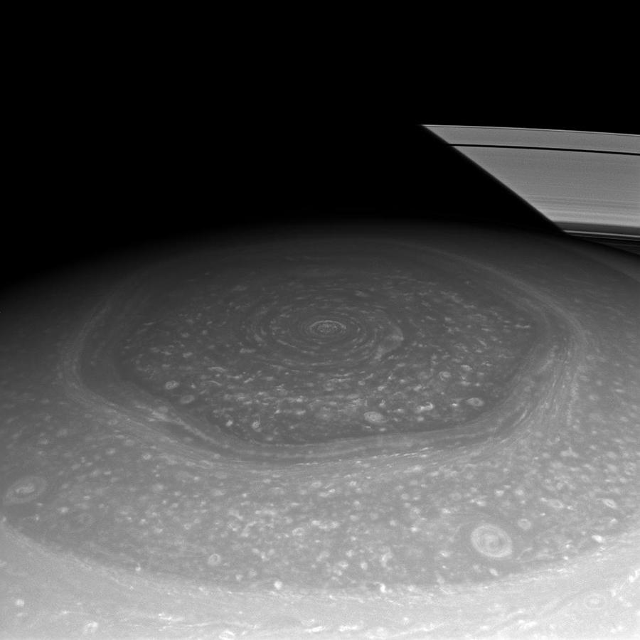 O Hexágono de Saturno_1