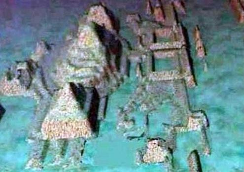 Resultado de imagem para Mistério! Descobertas pirâmides gigantes no triângulo das bermudas a dois mil metros! Como elas foram parar lá? fotos