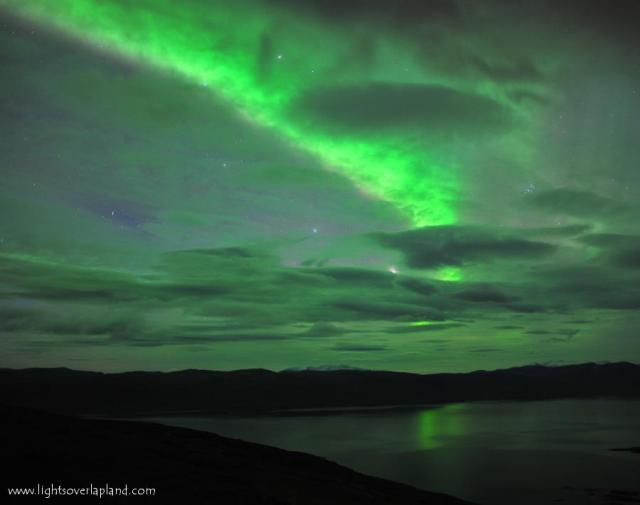 [Imagem: auroras+lights+over+lapland.jpg]