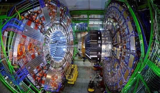 Bóson de Higgs visto decaindo em matéria