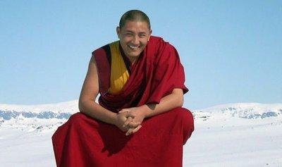 Um médico tibetano sabe do que um paciente sofre a 10 metros de distância