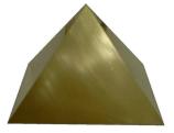 Pirâmide de latão fechada