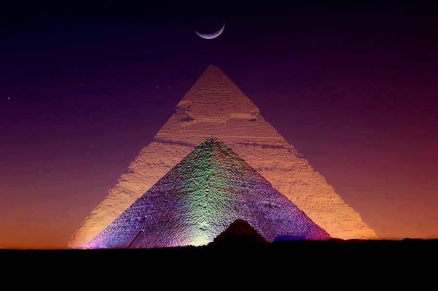 Piramides iluminadas.piramidal.net